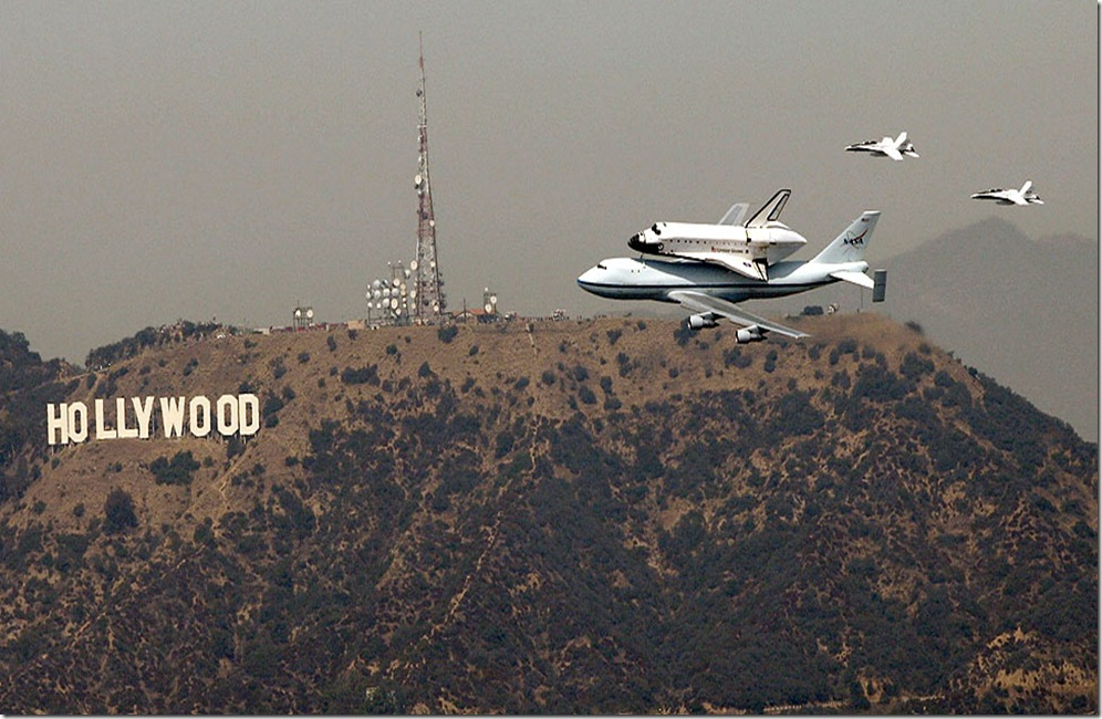shuttle Endeavour in Hollywood
